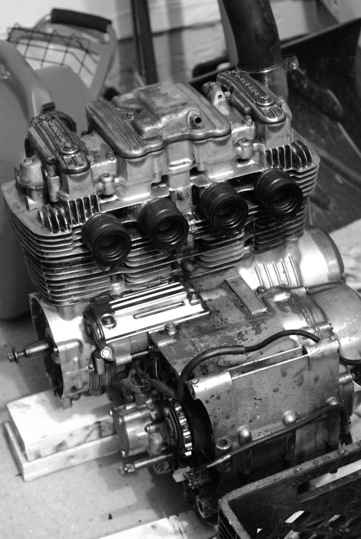 cb650 engine rebuild step 1 of 4 chin on the tank motorcycle stuff in philadelphia. Black Bedroom Furniture Sets. Home Design Ideas