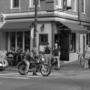 skip-cafe-racer-night-bw