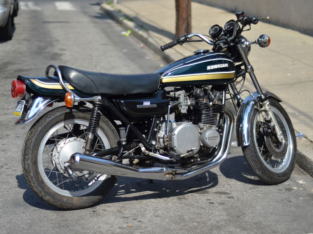 1974 kawasaki z1 900 chin on the tank motorcycle stuff. Black Bedroom Furniture Sets. Home Design Ideas