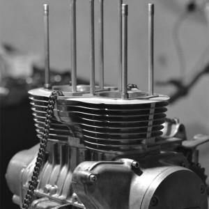 cb500t-assembly-02