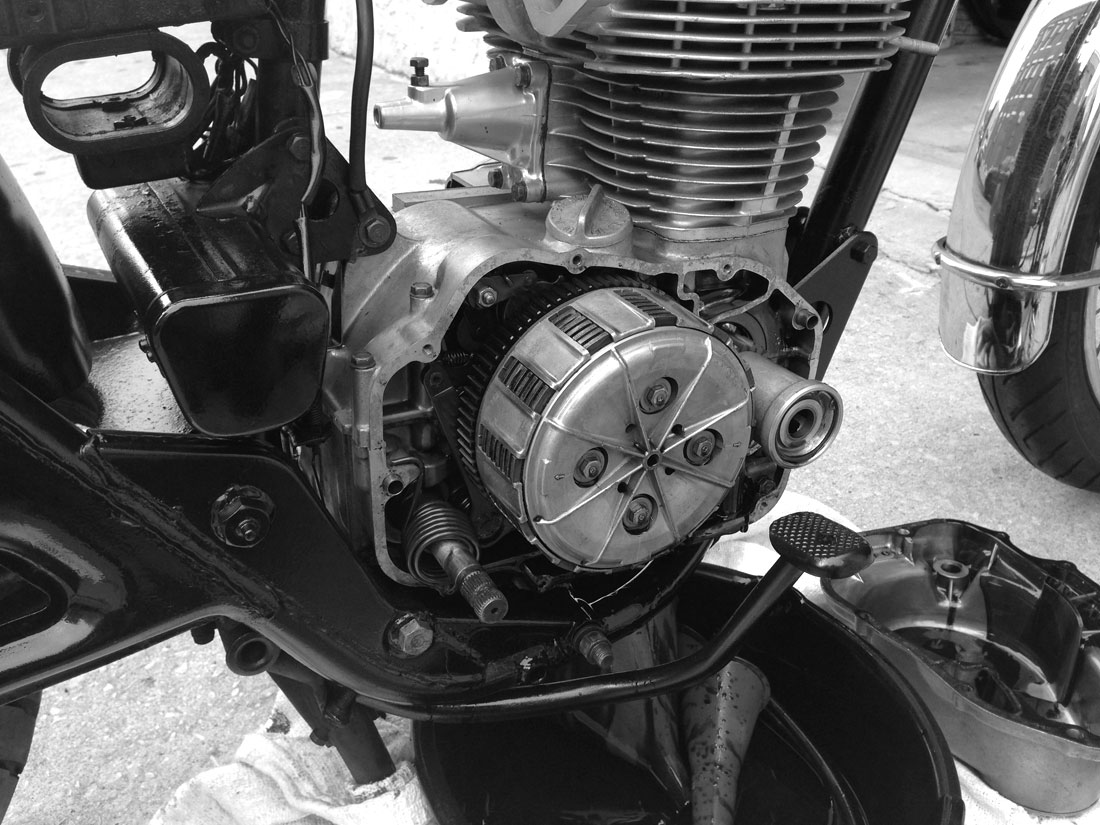cb500t – engine rebuild – part 4 - Chin on the Tank