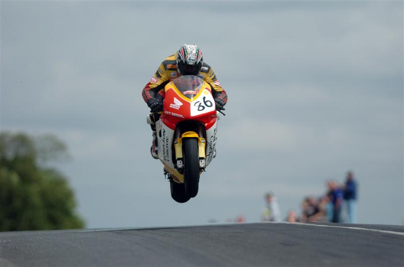 isle-of-man-tt-flying