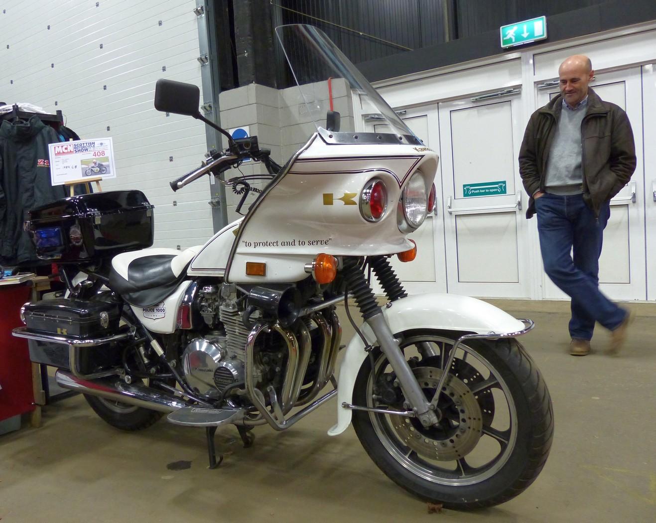 KawasakiPoliceMotorcycle16