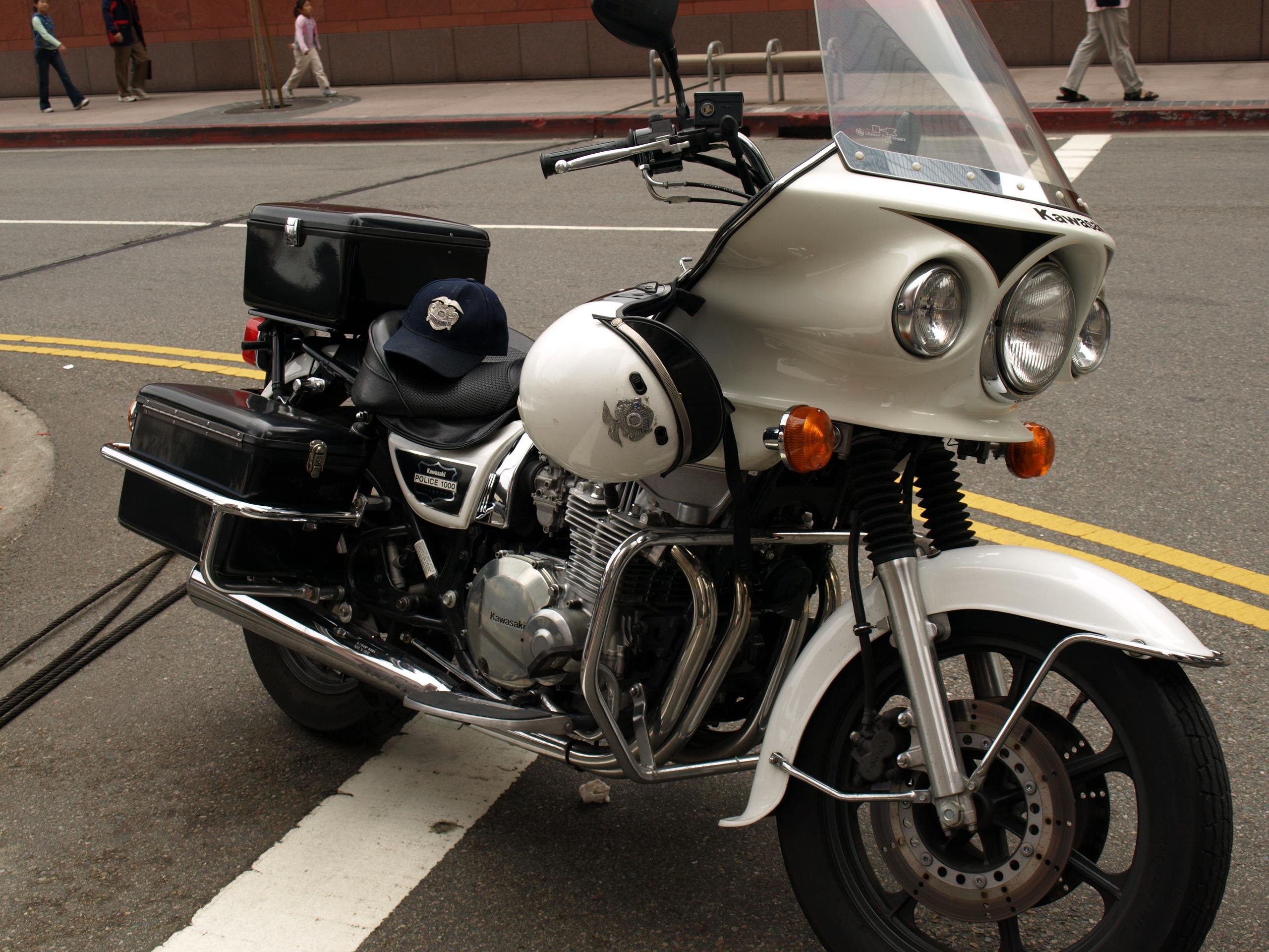 Kawasaki Kz Police Bikes Chin On The Tank Motorcycle Stuff In