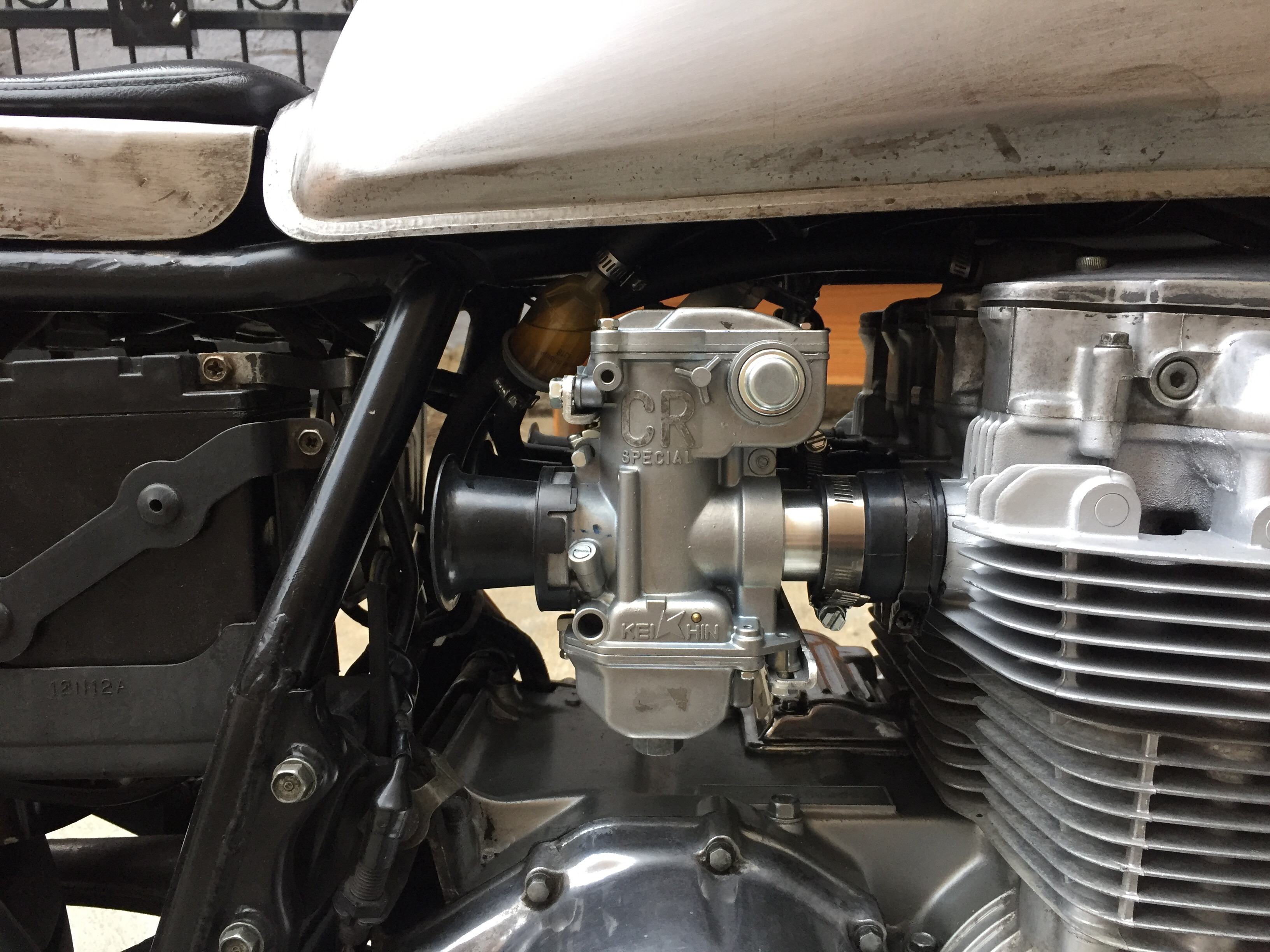 cb650 keihin crs29 carbs - Chin on the Tank – Motorcycle