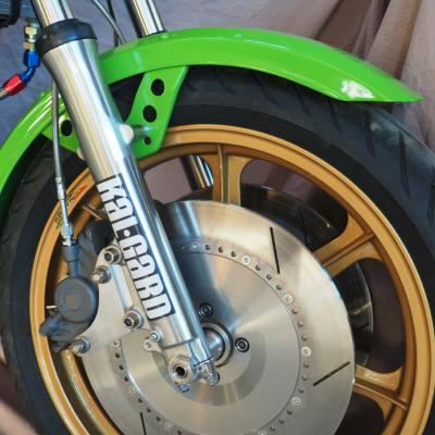 KZ1000 - Chin on the Tank – Motorcycle stuff in Philadelphia
