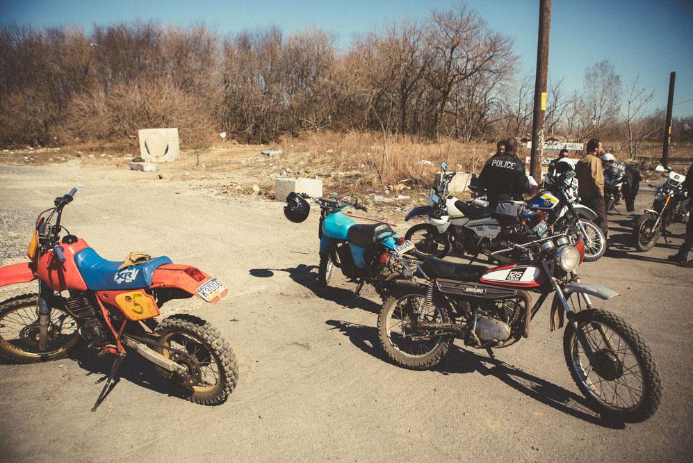 dirt-bike-cops-2