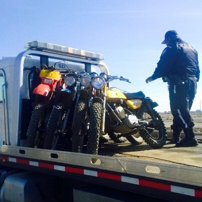 dirt-bike-cops-4