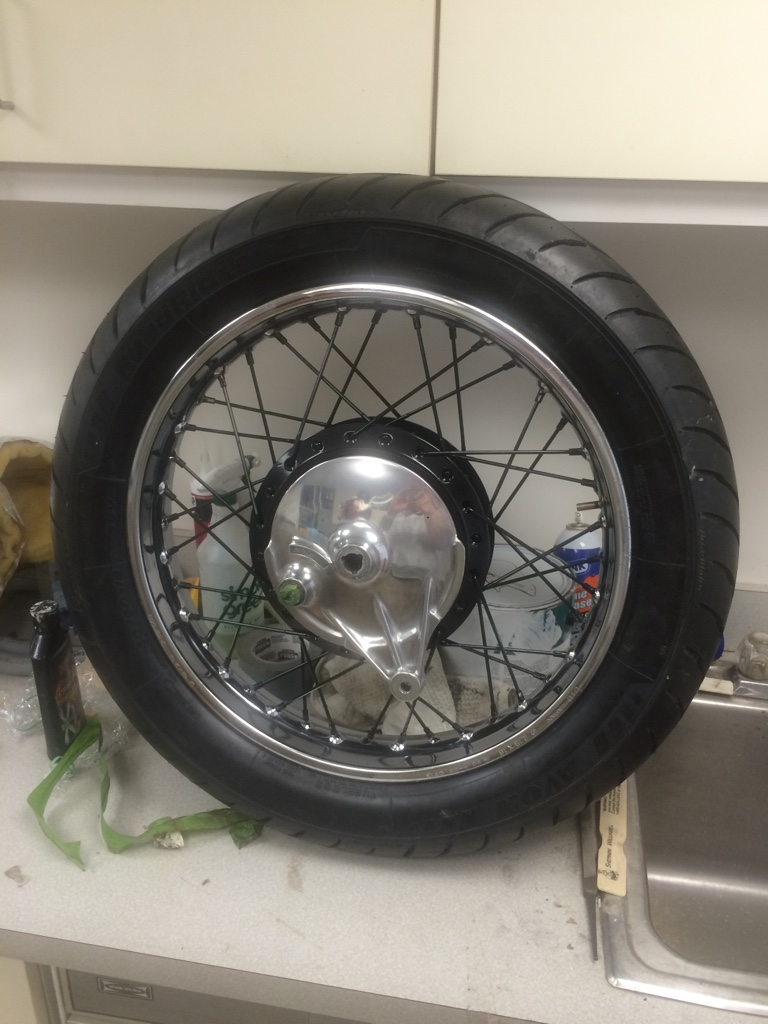 KZ650_painted_tires