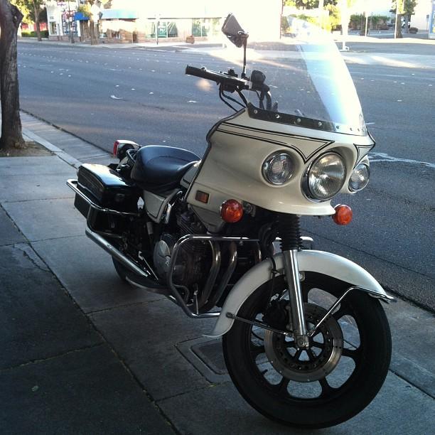 KawasakiPoliceMotorcycle12